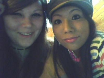 in this picutre is me and sara. 4 months after no cutting. <3 (right:micha left:sara)